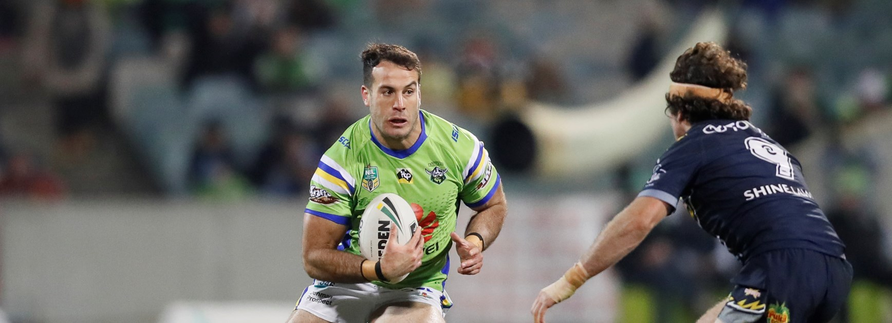 Michael Oldfield Re-Signs with the Raiders
