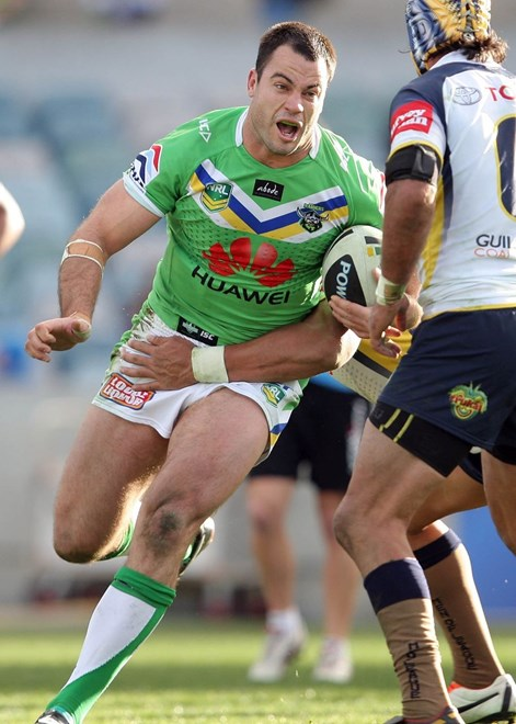 David Shillington : National Rugby League, Canberra Raiders V North Queensland Cowboys at Canberra Stadium. Sunday 7th July 2013. Digital Pic by Robb Cox © Action Photographics