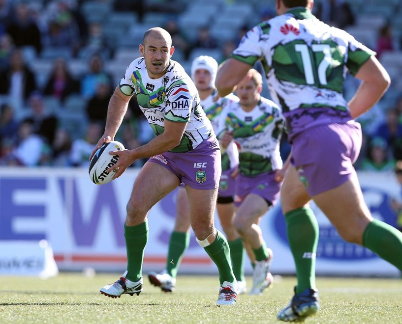 Digital Image by Robb Cox ©nrlphotos.com: Terry Campese :NRL Rugby League - Round 21, Canberra Raiders V Warriors at GIO Stadium, Canberra. Sunday August 3rd 2014.