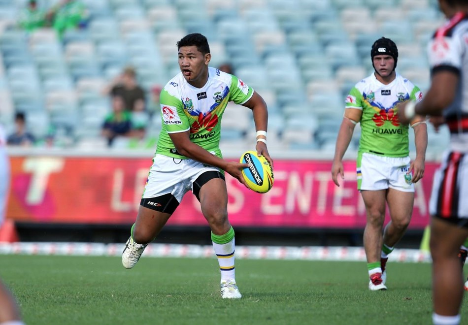NYC :Digital Image by Grant Trouvile © NRLphotos  : 2015 NRL Round 2 - Canberra Raiders v NZ Warriors  at Canberra Stadium, Sunday March 15th 2015.