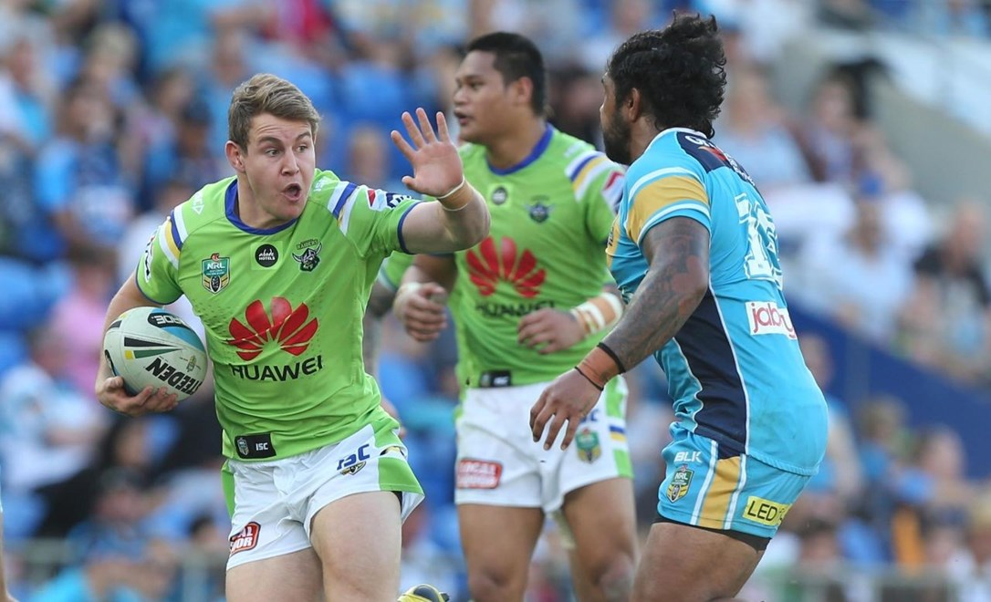 Luke Bateman : Digital Image by Charles Knight copyright NRLphotos. NRL Rugby League, Gold Coast Titans v Canberra Raiders, Cbus Super Stadium, August 23rd, 2015.
