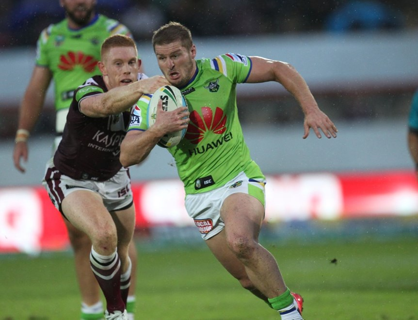 :	Digital Image by Colin Whelan copyright © nriphotos.     Glen Buttriss                    NRL Rugby League, Manly Warringah Sea Eagles v Canberra Raiders at Lavington Sports Ground, Saturday April 4th 2015.