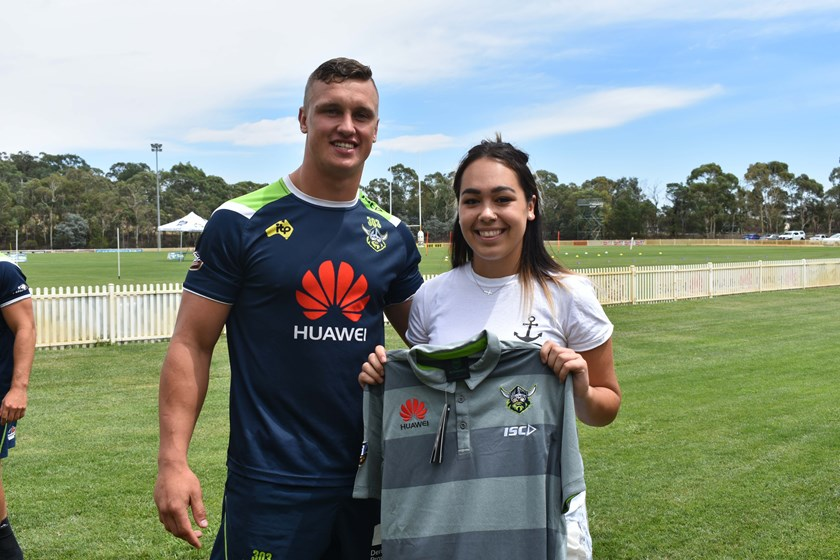 Jack Wighton presents a Raiders Shirt for the upcoming Indigenous Youth Summit